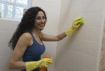 Cómo azulejar una ducha con una ventana
